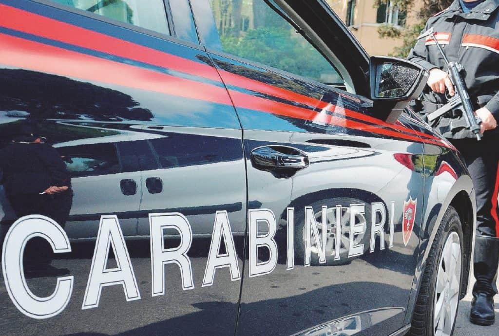 Nascondeva proiettili e 6 chili di hashish in casa. Arrestato dai Carabinieri