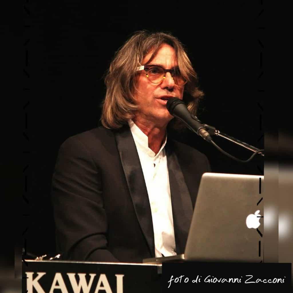 Luigi Petruzzi aprirà la settimana della moda a Milano presso lo showroom Dewan