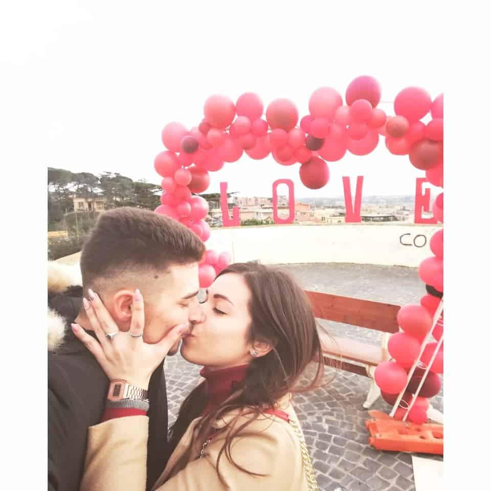 'Un bacio a Cerveteri vale di più', la foto di Angelo Zaccaglino vince il contest di San Valentino