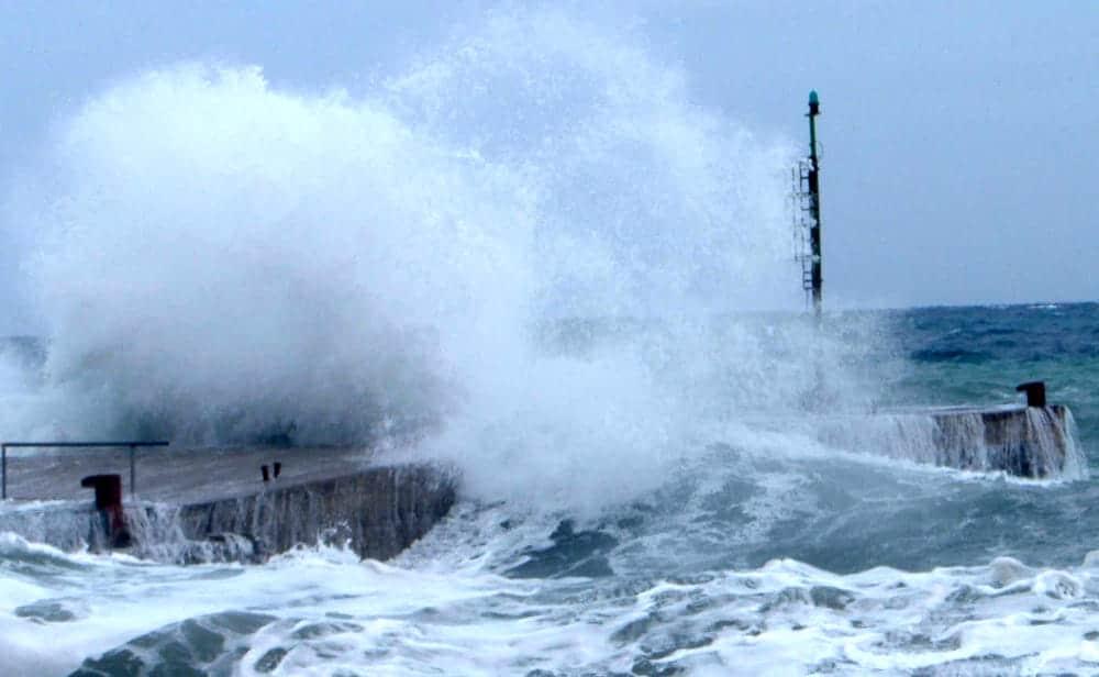 Meteo, da domani venti di burrasca e mareggiate sulle coste