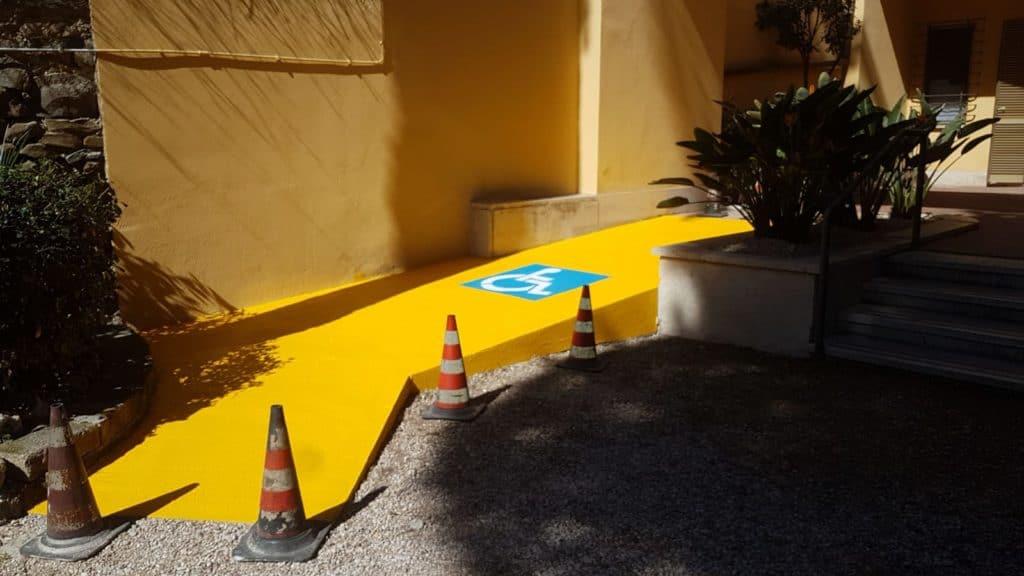 Santa Marinella, una rampa disabili nei pressi degli uffici comunali