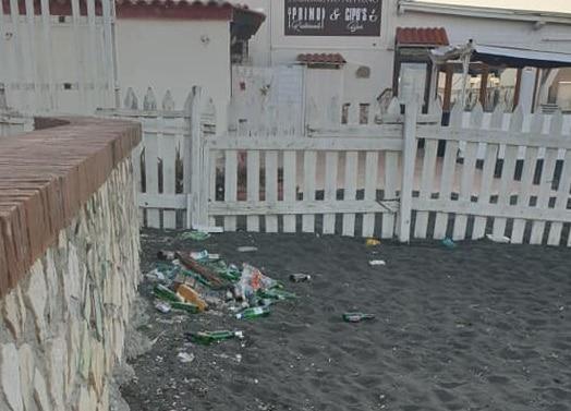 Permane lo stato di degrado sulle spiagge