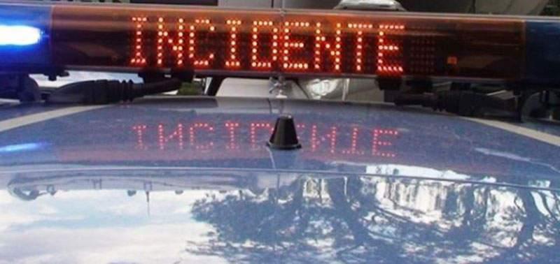 Fiumicino, auto si schianta contro un palo: muore 25enne