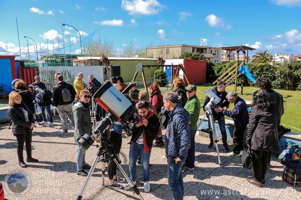 Fiumicino, successo per l'inaugurazione del nuovo telescopio