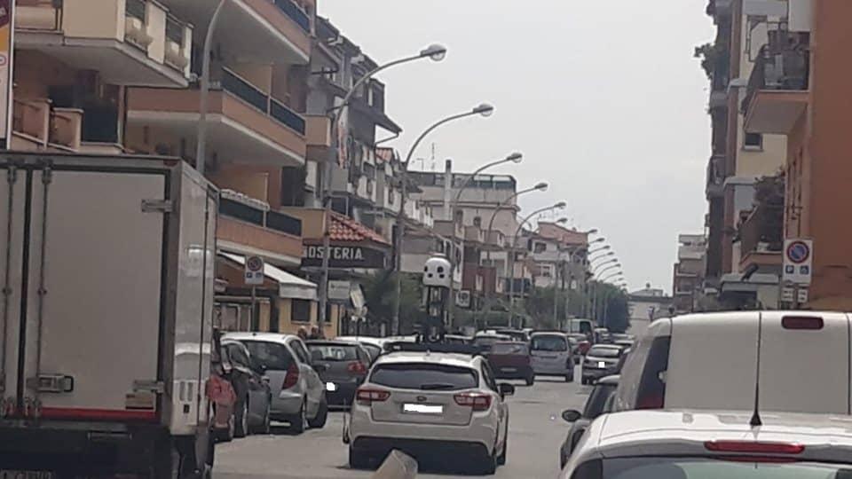 Ladispoli, avvistata auto di Apple Maps in Via Napoli