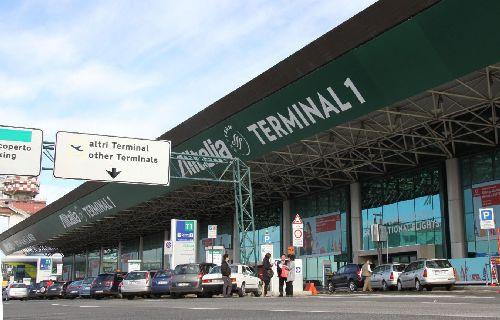 Aeroporto di Fiumicino, 2 anziani coniugi spagnoli denunciati per furto