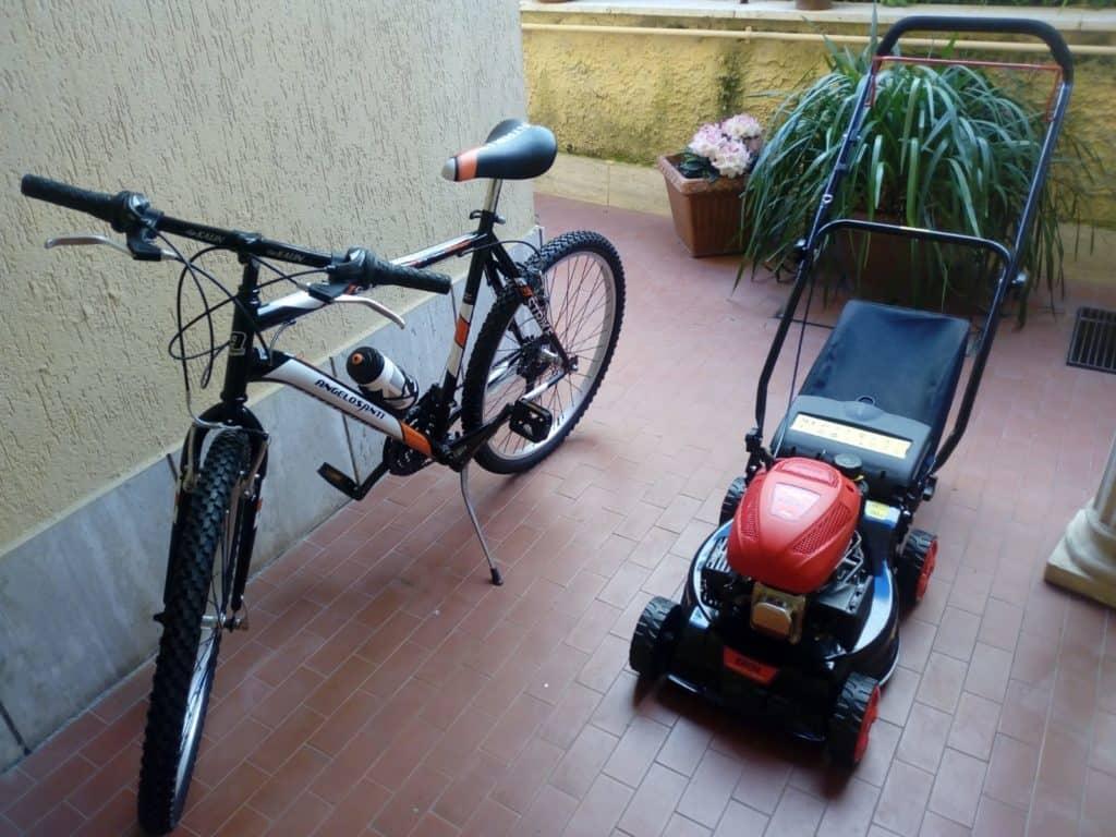 Quad Adventures regala un tosaerba e una mountain bike all'Associazione di Nico Stella