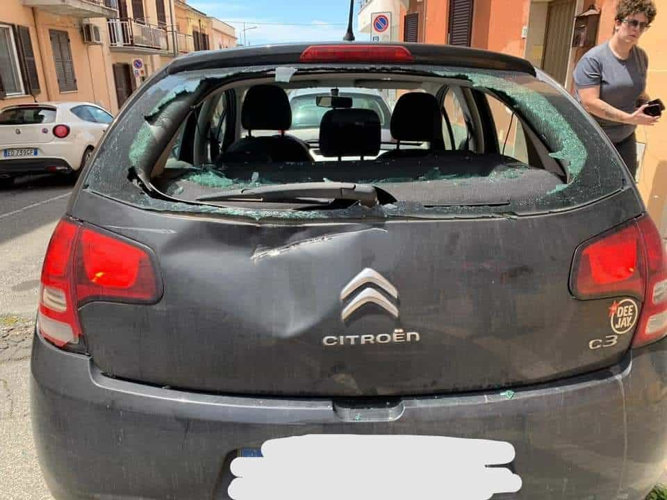 Incidente tra auto: il responsabile scappa e scatta l'appello social