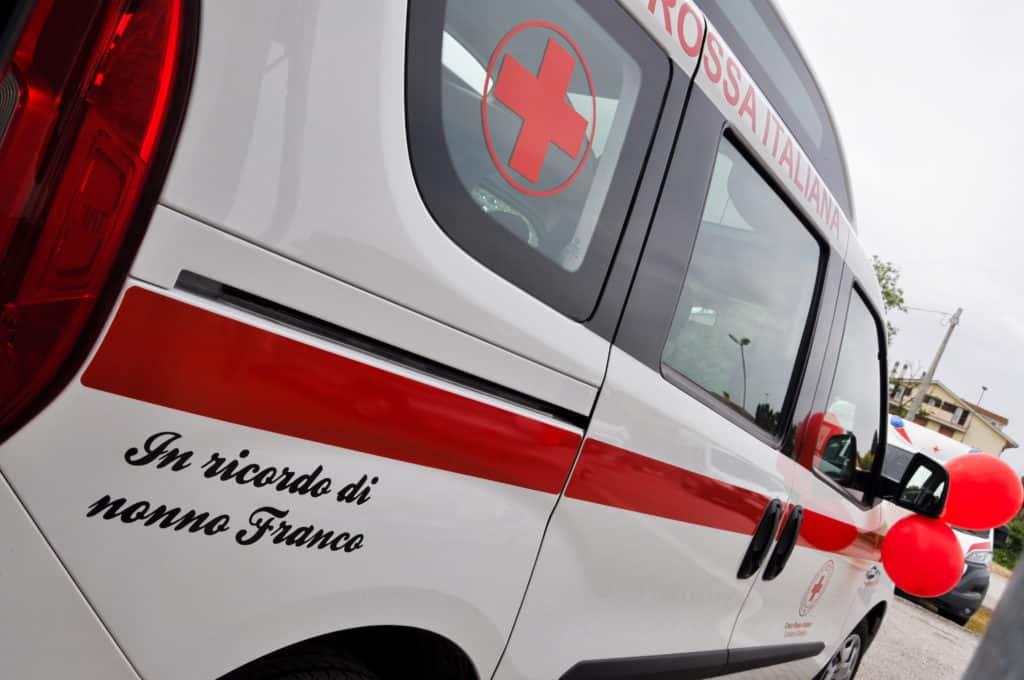 Anguillara, inaugurati i due nuovi mezzi donati alla Croce Rossa