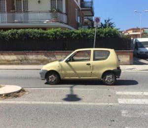 Bimbo investito sulle strisce pedonali in via Roma a Ladispoli