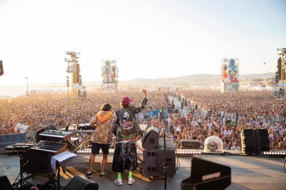 """Jova Beach Party, il cantante: """"Mondo ambientalista pieno di cialtroneria"""""""