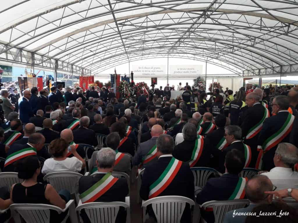 Ladispoli al funerale di Emanuele Crestini, il sindaco di Rocca di Papa