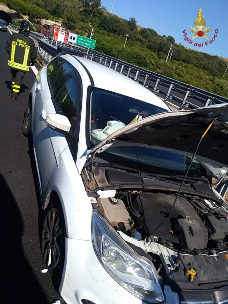 Incidente stradale A12 oggi pomeriggio, nessuna vittima