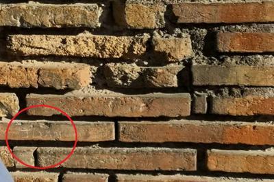 Incide il proprio nome sul Colosseo, turista uruguaiano denunciato