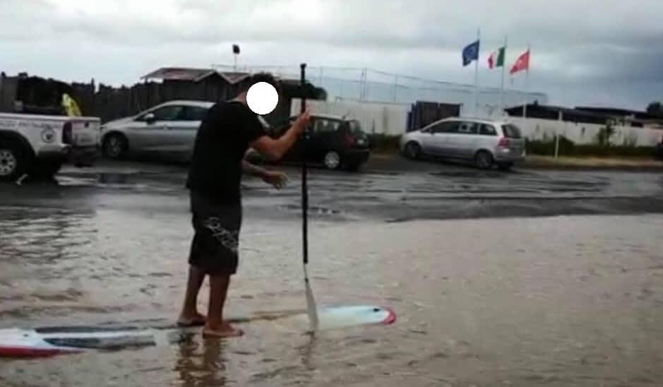 Campo di Mare, il parcheggio diventa un lago artificiale