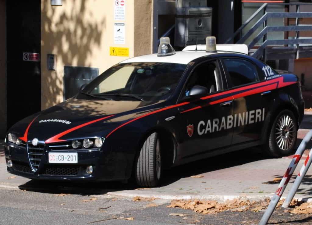 Rapinano un mini market di Ladispoli. In tre arrestati dai Carabinieri
