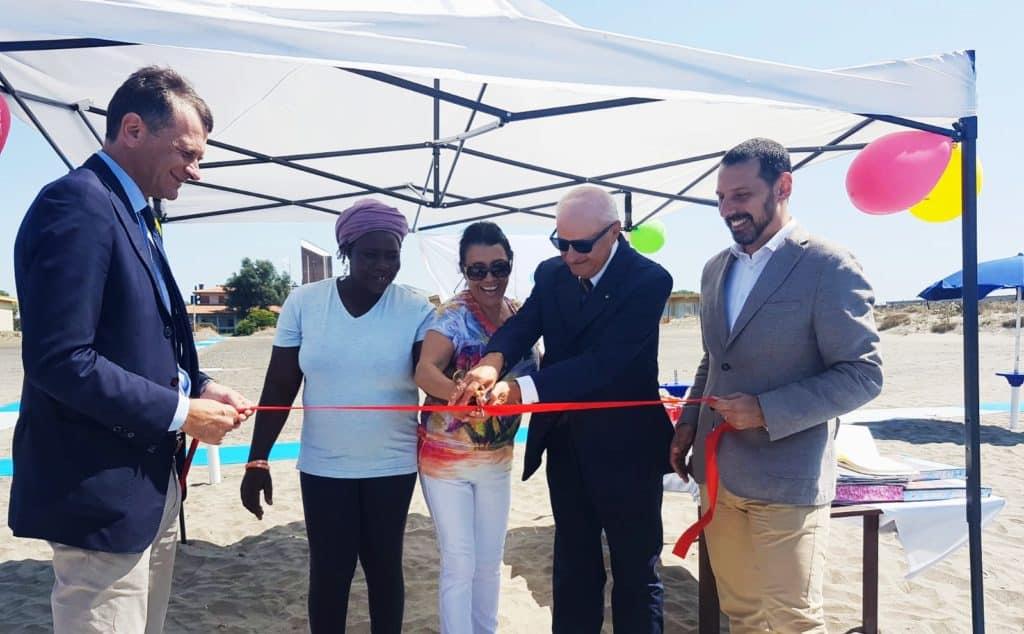 Spiaggia Libera Tutti! Fondazione Ronald McDonald e Bambin Gesù lanciano il progetto per consentire l'accesso al mare ai piccoli degenti