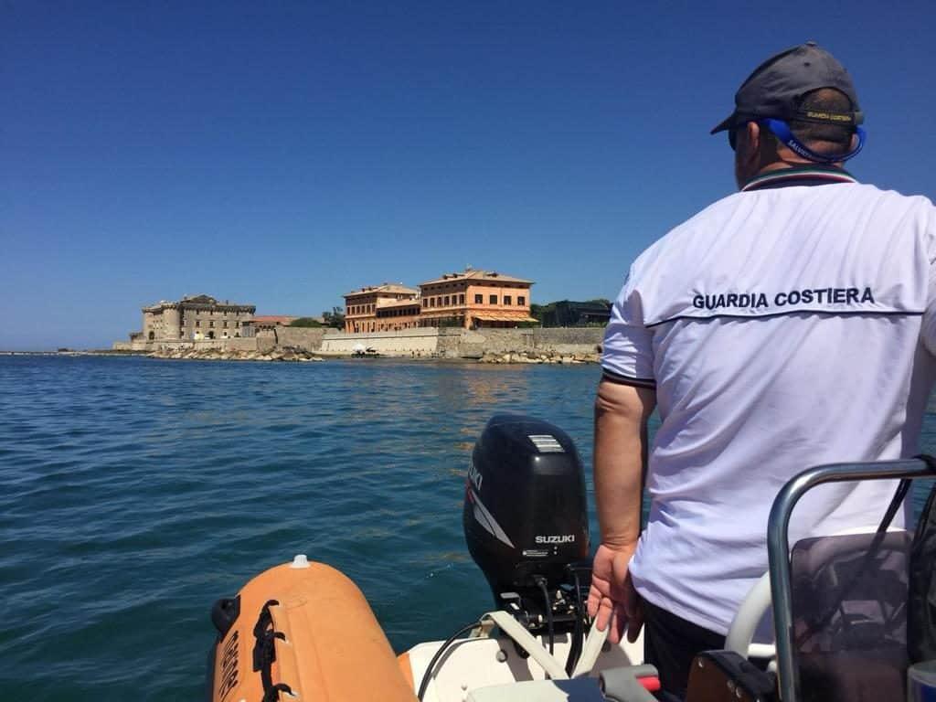 Ladispoli, sversamenti in mare tra la Posta Vecchia e il Castello
