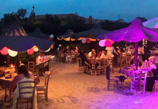A El Pareo Beach di Marina di San Nicola prosegue la festa