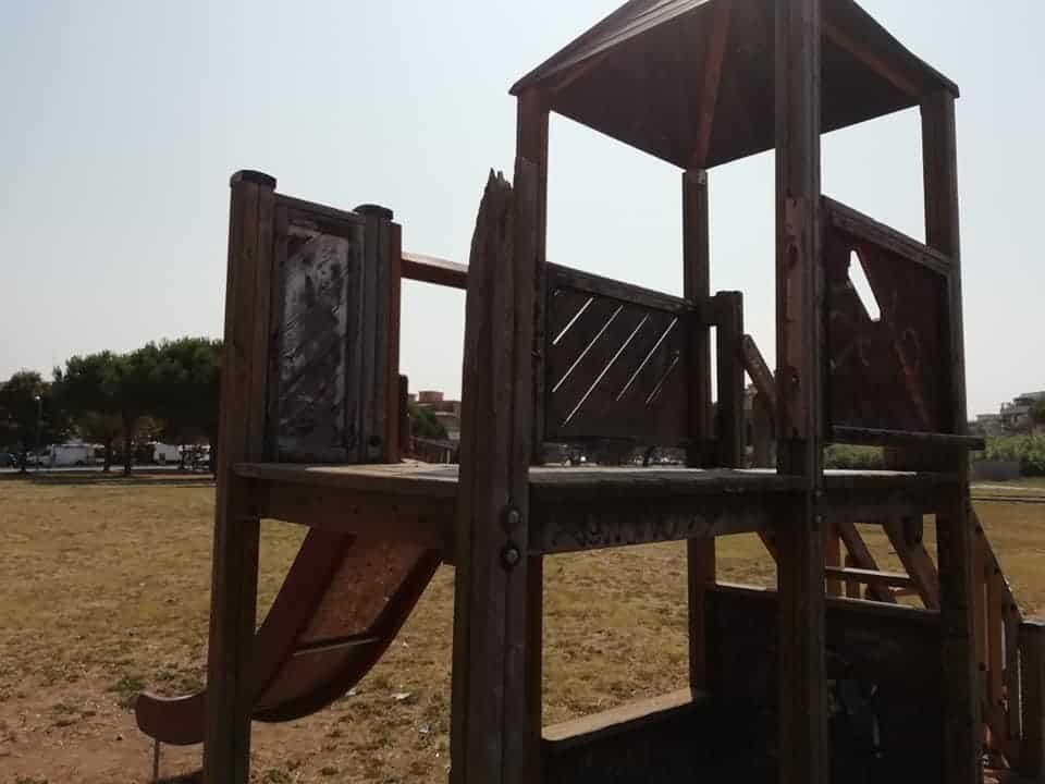 Ladispoli, giochi pericolosi ai giardini di via Firenze