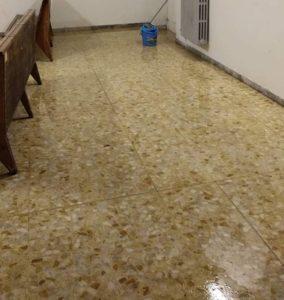 Manziana, la sala d'attesa della stazione allagata per il maltempo
