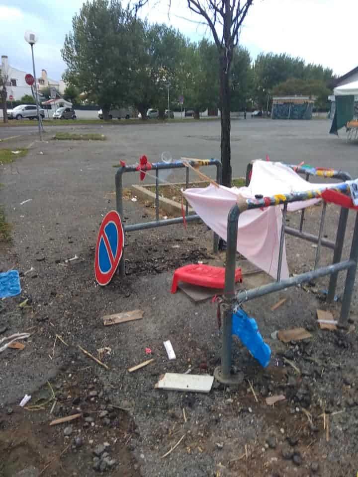Cerenova, la piazza del mercato in condizioni di degrado (foto da social)