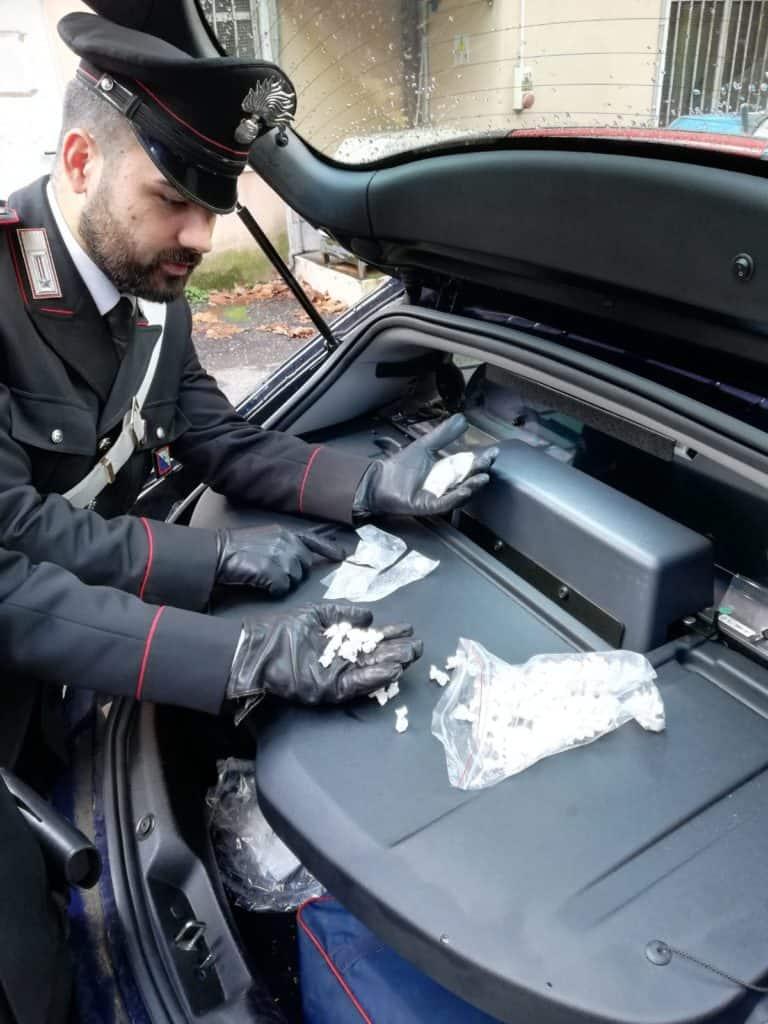 Carabinieri nelle piazze dello spaccio