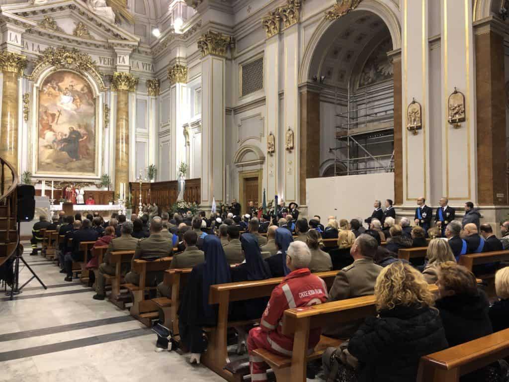 Civitavecchia, cattedrale gremita
