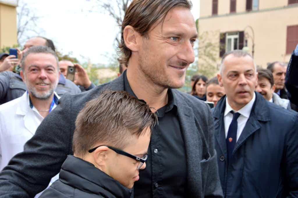 """Totti in visita al Bambin Gesù: """"Vi aiuterò a costruire il nuovo ospedale"""""""