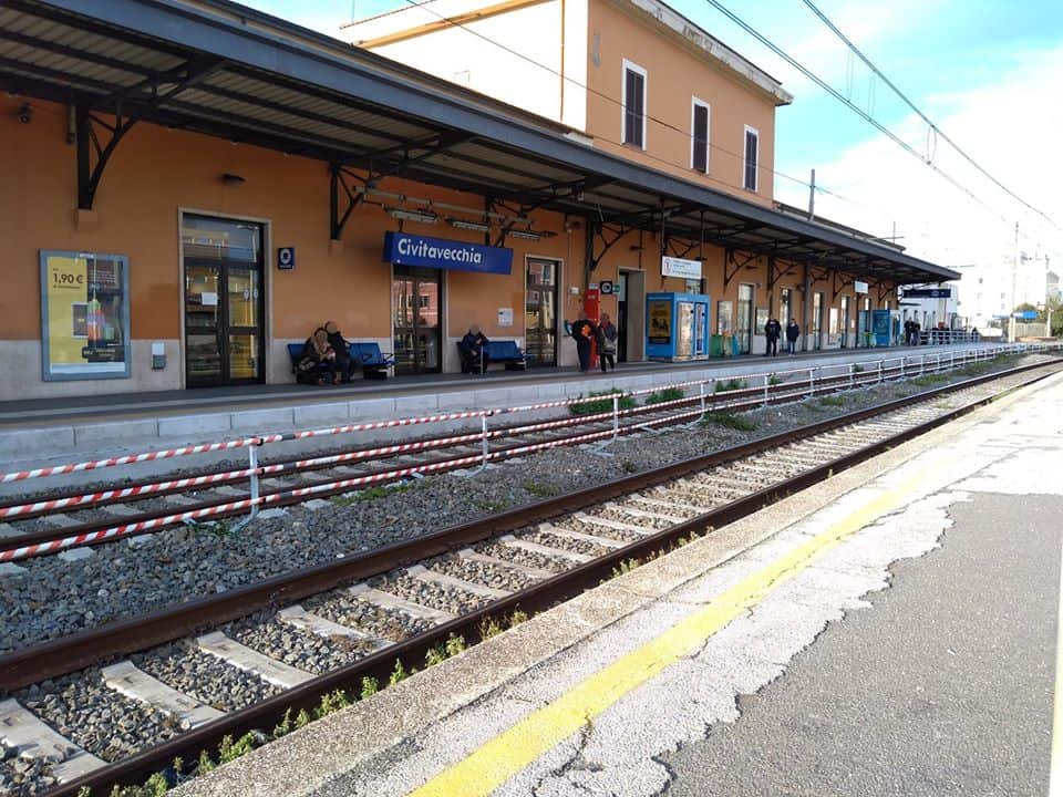 Civitavecchia, in stazione arrivano le barriere anti attraversamento binari