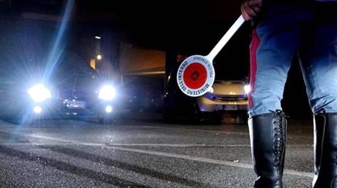 Ubriaco alla guida, Polizia sequestra una patente a Santa Marinella