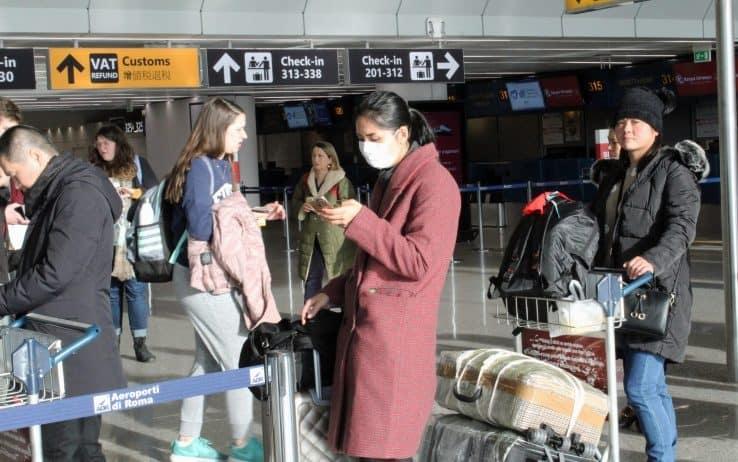 Virus cinese, controlli a Fiumicino per i 200 passeggeri arrivati da Wuhan