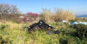 Santa Marinella, ancora rifiuti sparsi e abbandonati sul ciglio della strada