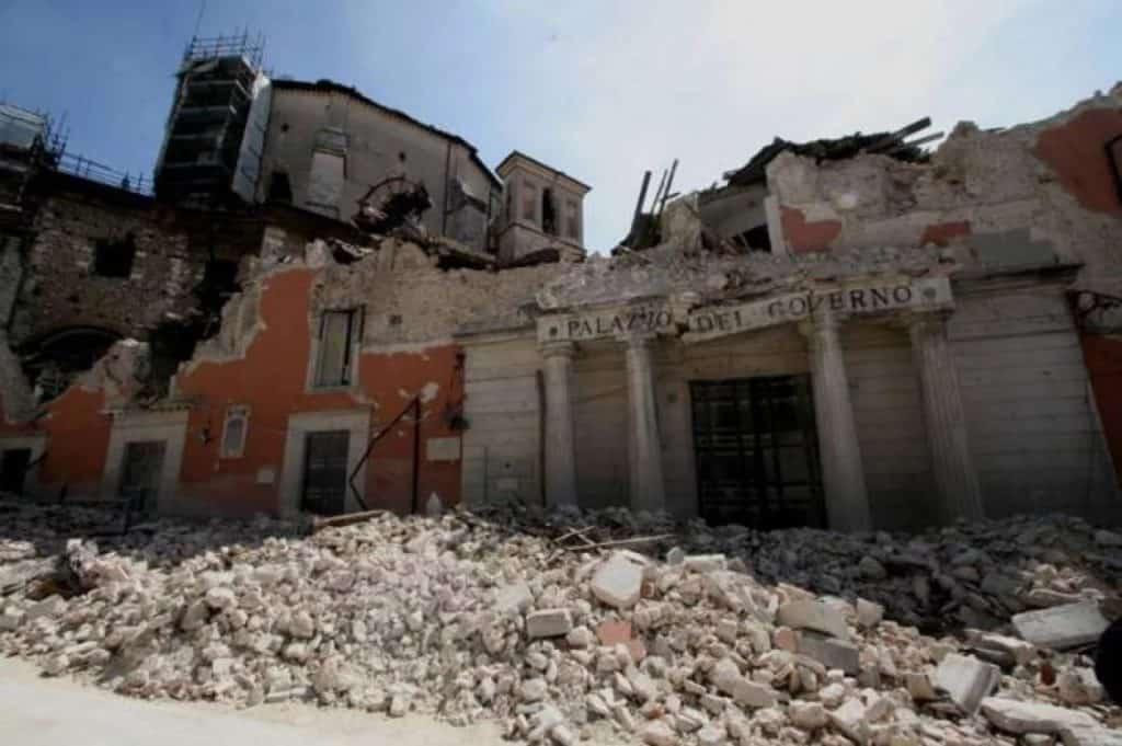 Undici anni fa la terra tremava a L'Aquila