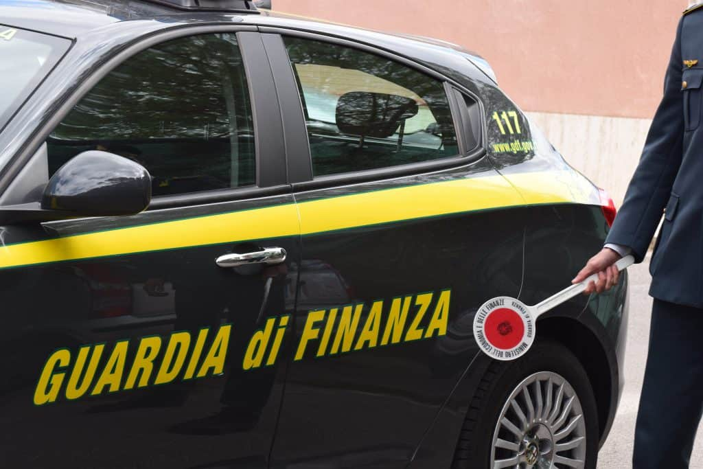 Guardia di Finanza, sequestrati beni per 4 milioni a imprenditore