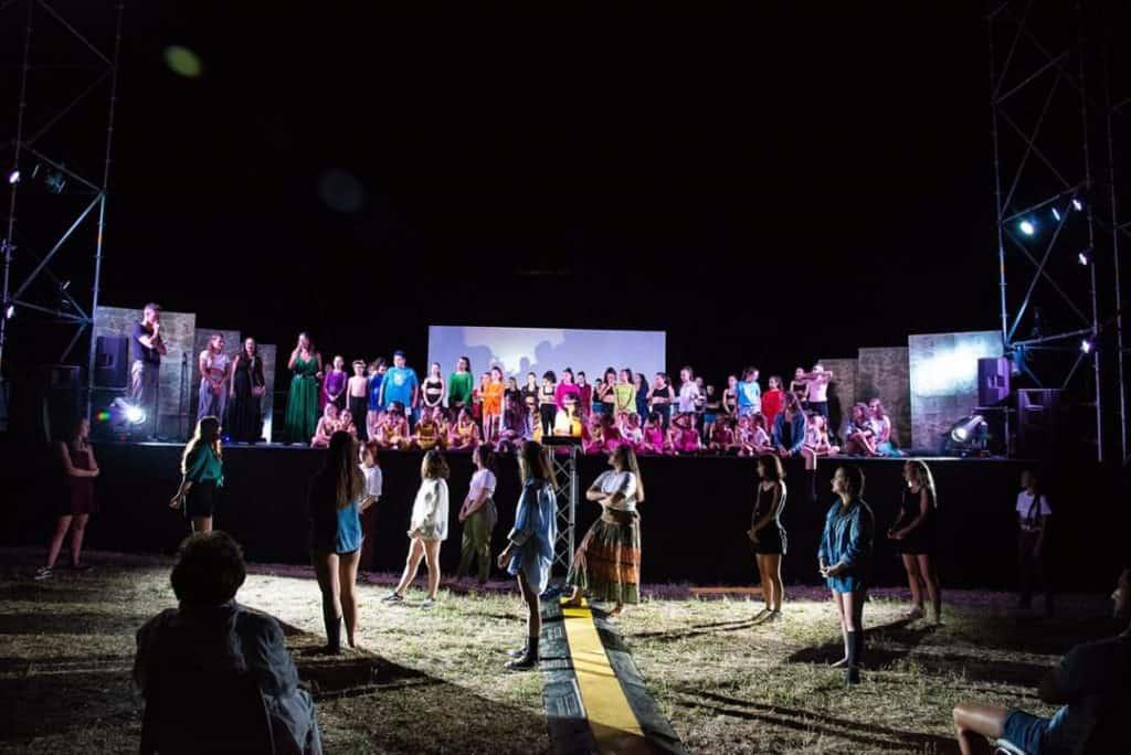Cerveteri, Dimensione danza 2000 illumina il parco della Legnara
