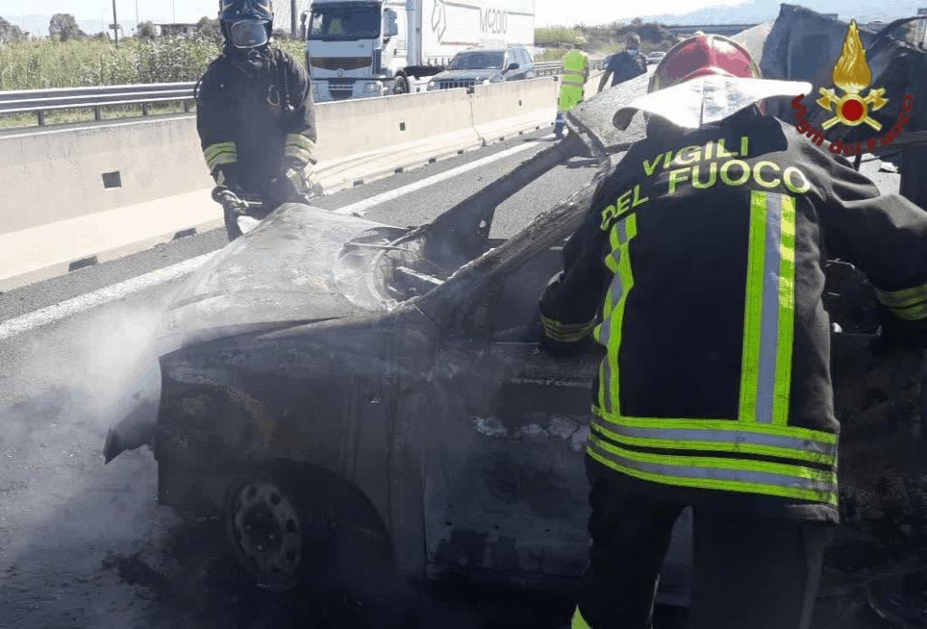 Scontro smart- camion sulla A1: un morto