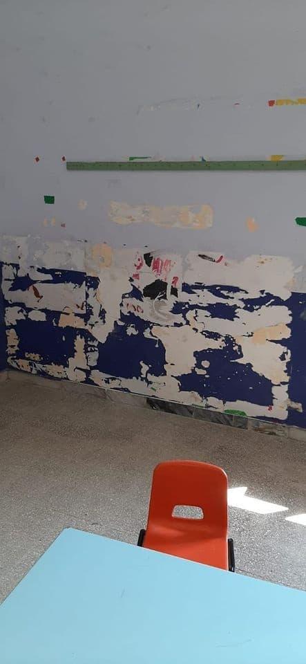 Ceri, infiltrazioni al muro in una classe dell'infanzia: scontro tra un genitore e il preside