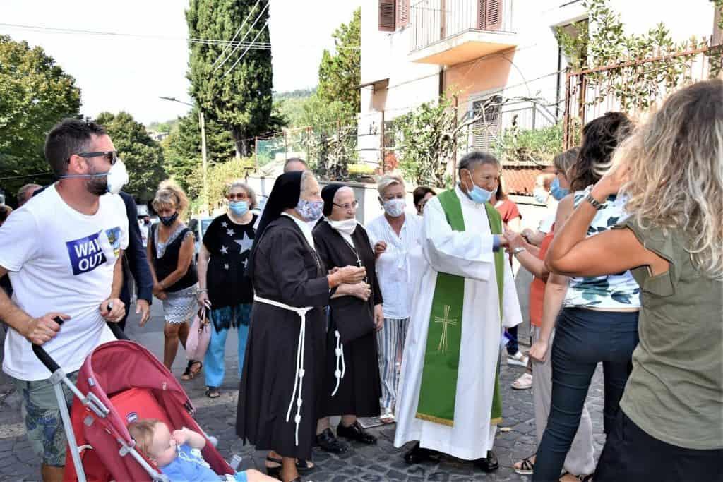 Manziana, dopo 40 anni don Giovanni lascia la parrocchia di Quadroni