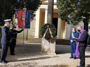 """Bracciano, deposte corone d'alloro nei cimiteri: ''Un messaggio di speranza e vicinanza"""""""