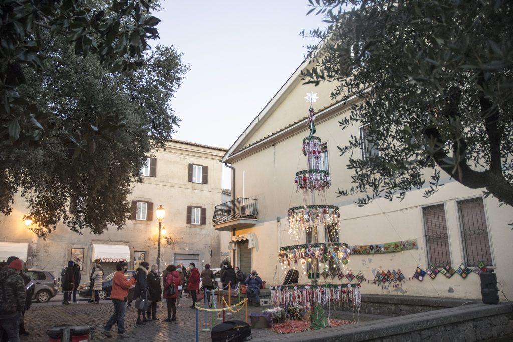 A Manziana letterine a Babbo Natale e scambio di doni in piazza