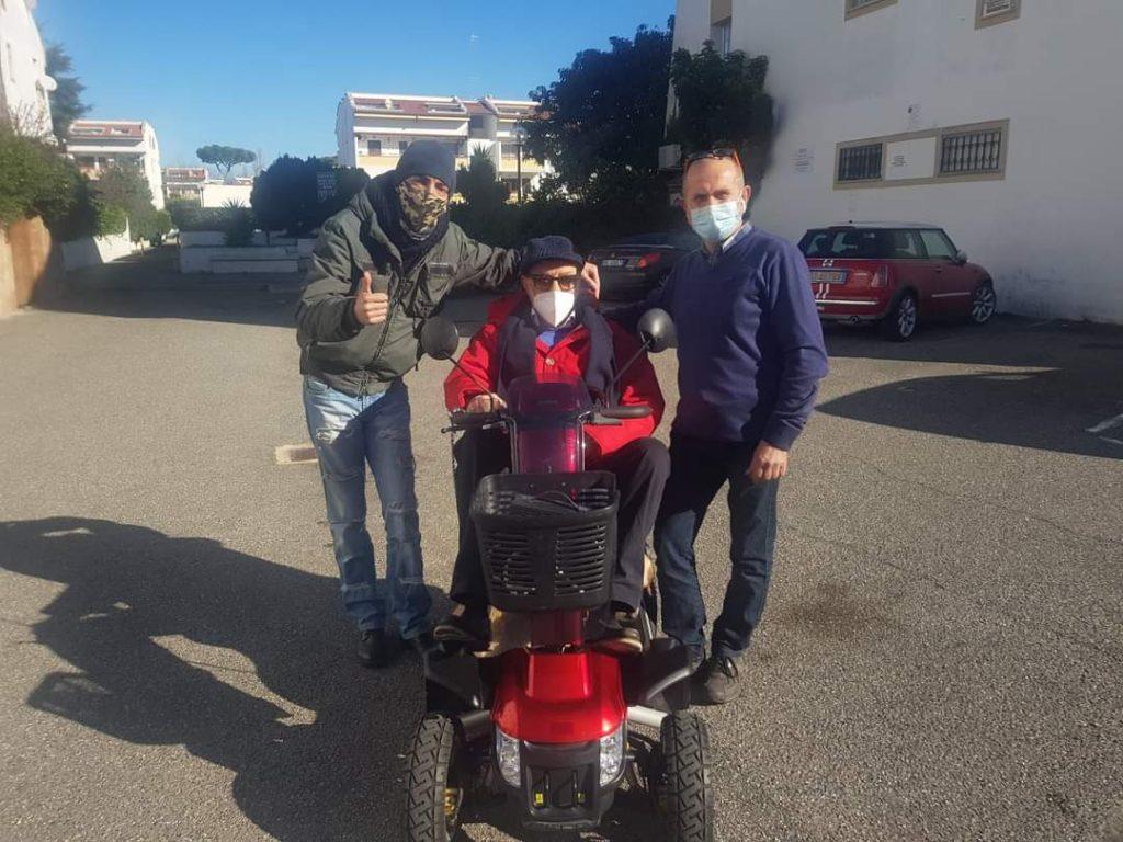 Cerveteri, arrivato il nuovo scooter elettrico per il signor Roberto