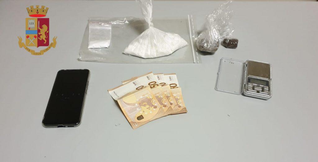 Droga: sequestrati quasi 2 kg tra eroina, coca, hashish, marijuana e shaboo