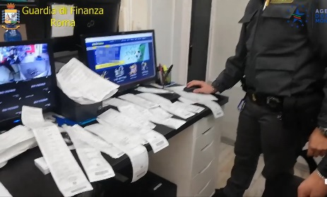 Scovata sala scommesse illegale: titolare denunciato