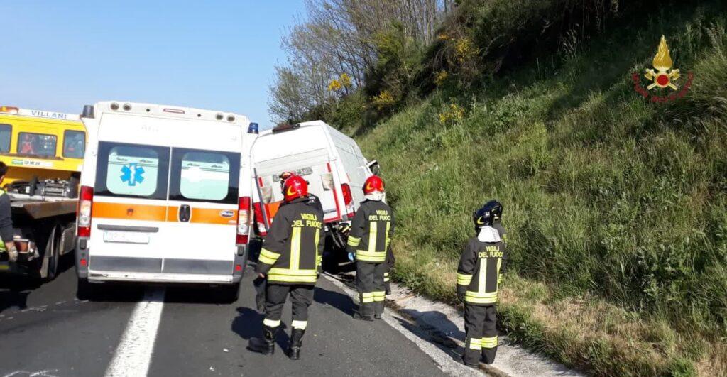 Maxi tamponamento sulla A1, ancora imprecisato il numero dei feriti