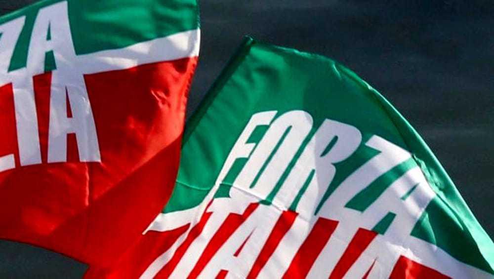 Forza Italia Ladispoli scende in piazza per presentare la riforma fiscale