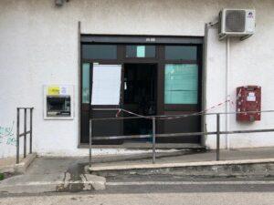 Paura a Cerenova: tentata rapina alle Poste. Ladri in fuga
